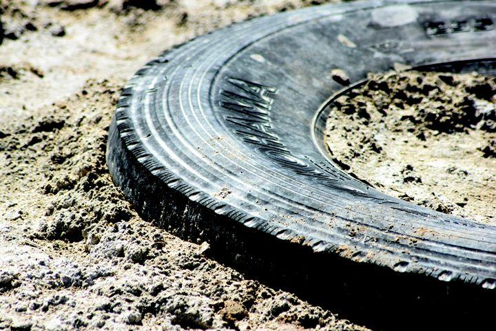 Sandy Tire - Nancee