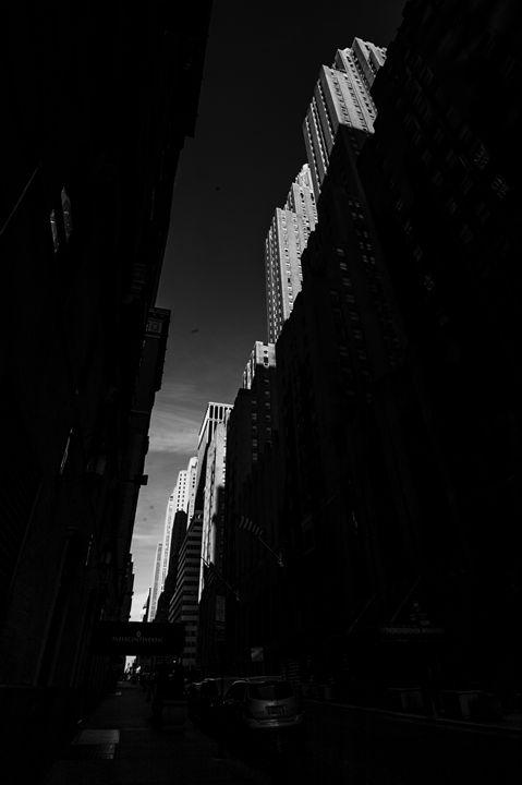 Manhatten by Leon Cika - albo gallery