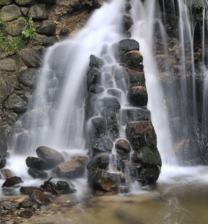 Waterfall - Sergejus Lamanosovas - Severas
