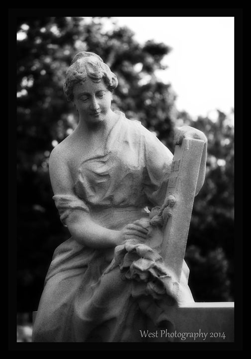 Statue - West Photography