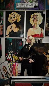 Chloe and artist