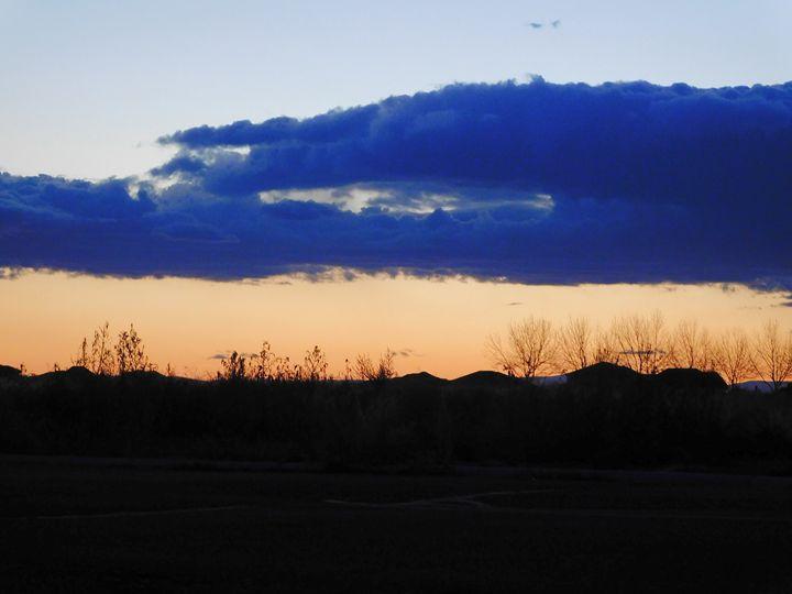 Muli-color Sky - MagOlivia