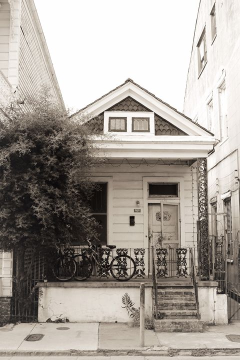 Old House on Bourbon - Eureka Gallery