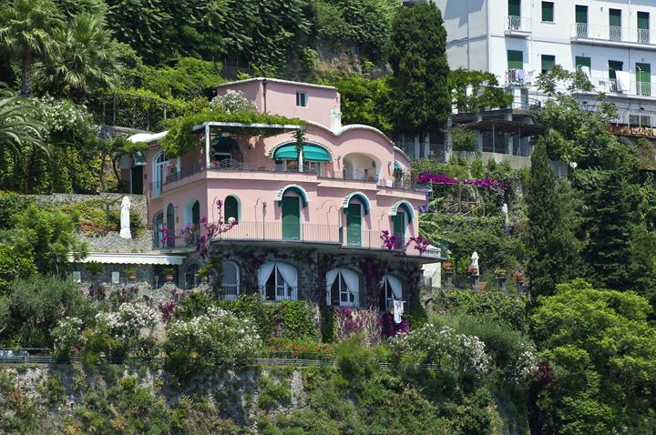 The pink villa - Pluffys portfolio