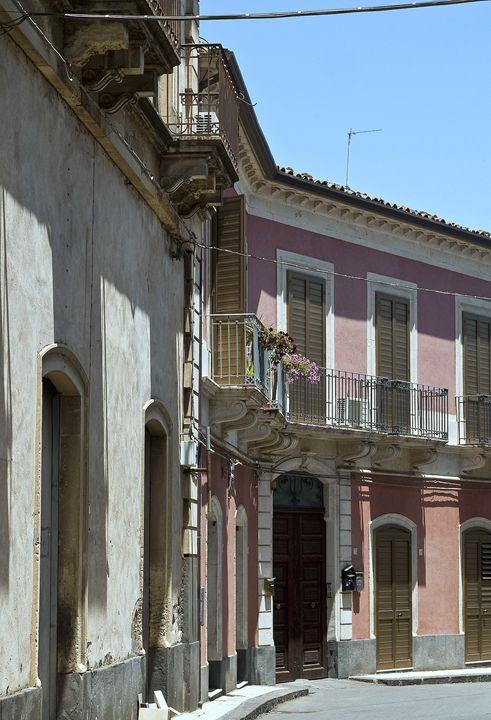 The pink house - Pluffys portfolio