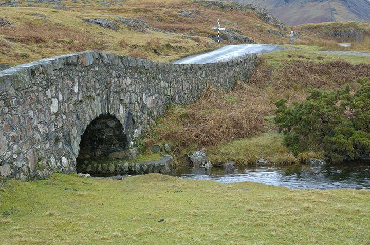 The stone bridge. - Pluffys portfolio