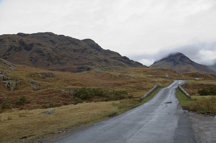 The road to nowhere. - Pluffys portfolio