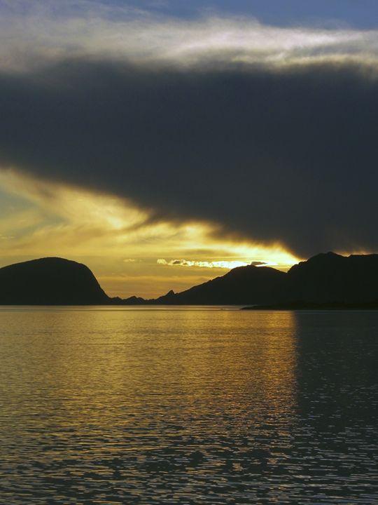 Sunset over the Fjord - Pluffys portfolio