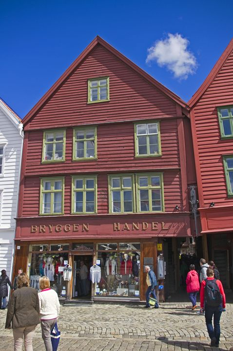 Leaning shops of Bergen - Pluffys portfolio