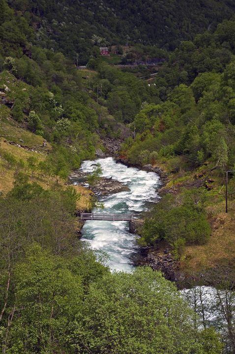 Mountain stream - Pluffys portfolio