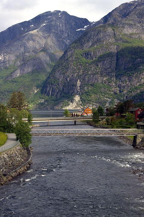 down to the Fjord - Pluffys portfolio