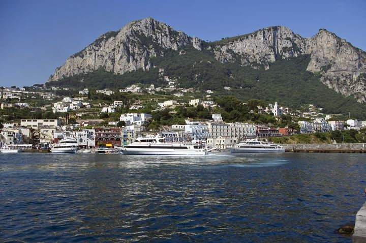The ferry at Capri - Pluffys portfolio