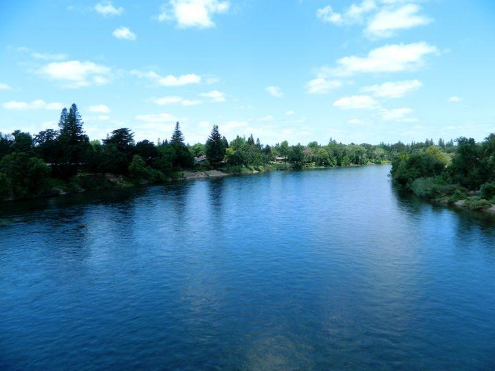 The Sacramento River - Markell Smith Gallery