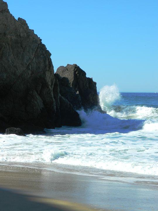 Ocean Rocks - Markell Smith Gallery