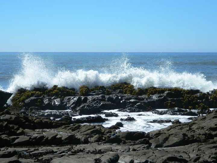 Crashing Waves - Markell Smith Gallery