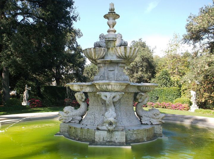 Fountain in the Garden - Markell Smith Gallery