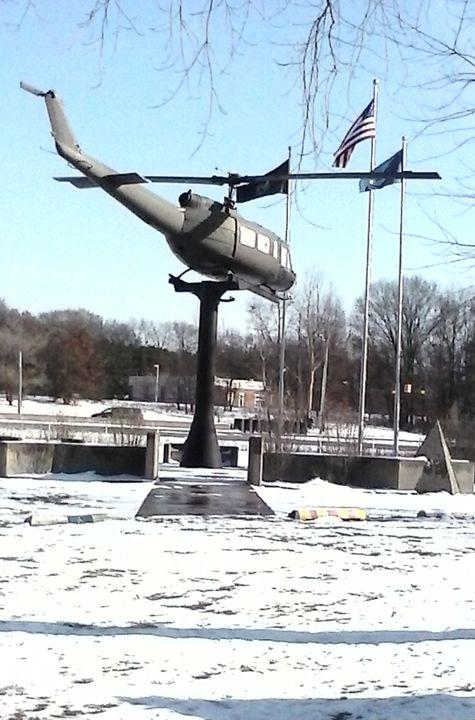 Muskegon Veterans Memorial - Tempia