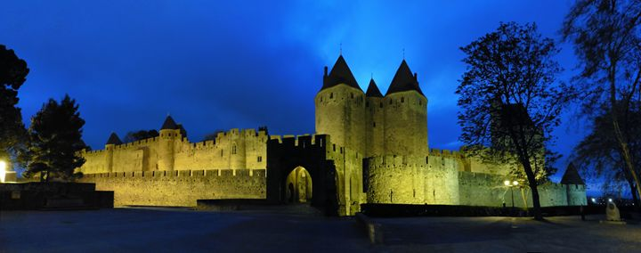 Medieval city of Carcasonne - eriktanghe