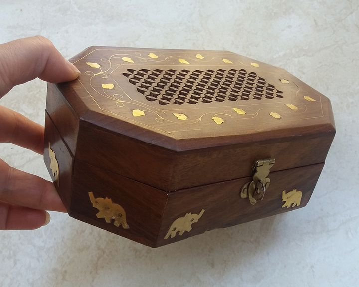 Handcrafted Octagon Wooden Box - Pato.Armeni