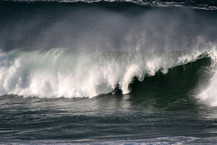 Ocean Waves - Eliza Grace