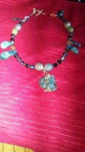 Agate  stone  choker