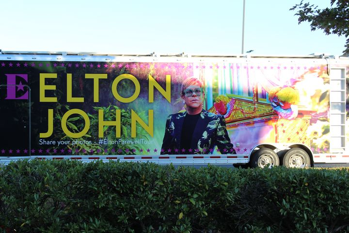 Elton Spends the Night in Tennessee - Nina La Marca, Artist's Photography