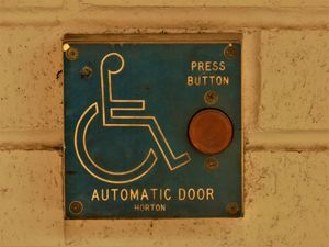 OLD AUTOMATIC DOOR BUTTON
