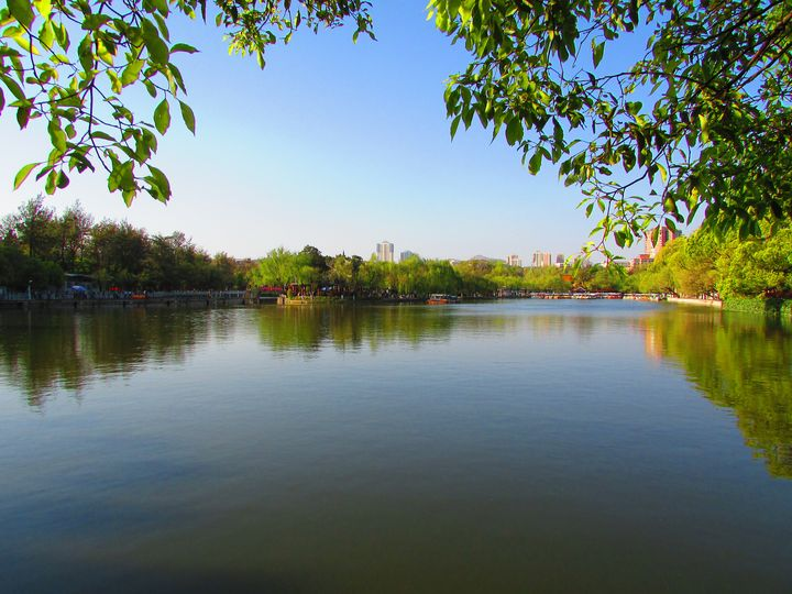 Reflection - Cuihu Lake from Kunming - Janes