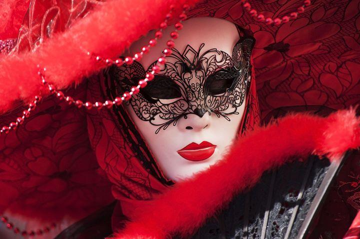 Beautiful mask at carnival in Venice - Adilena