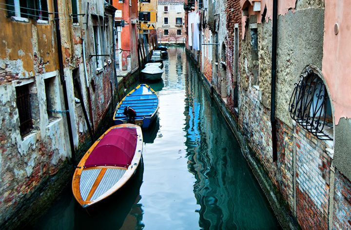 Gondolas in Venice - Adilena