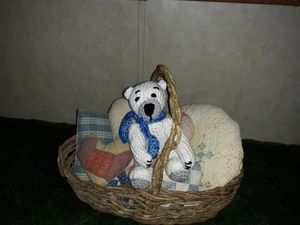 P.J. the white little bear - Kentucky Country Cottage