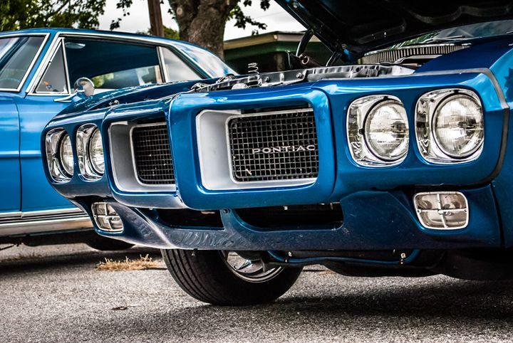 Blue Pontiac - MHP