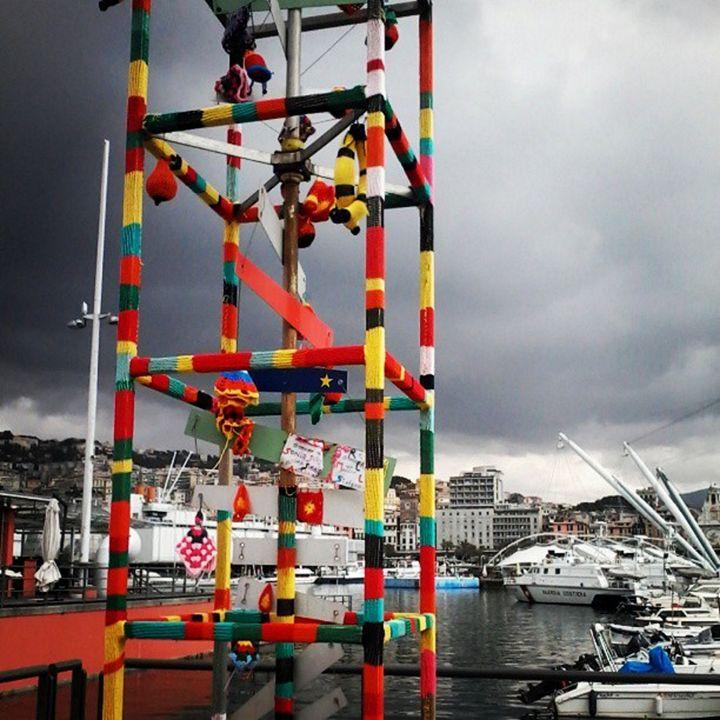 Crane, Knit, Genoa - Travellin' Light: photography, Monica Melissano