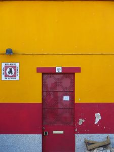Red Door, Valada