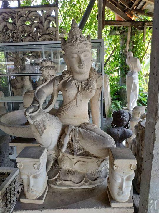 Dewi Tara Sandstone - Yansugem art and design