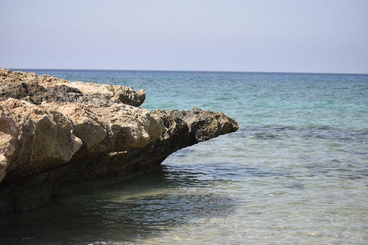 Rocky Sea View - PuzbieArts