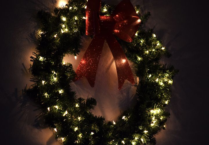 Christmas Wreat Glitter and Glow - Angela Ronk 24k FX Design