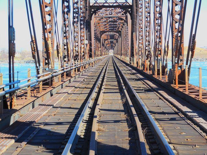 Railway Bridge to United States - Leslie Montgomery