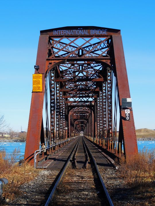 International Bridge - Railway Bridg - Leslie Montgomery