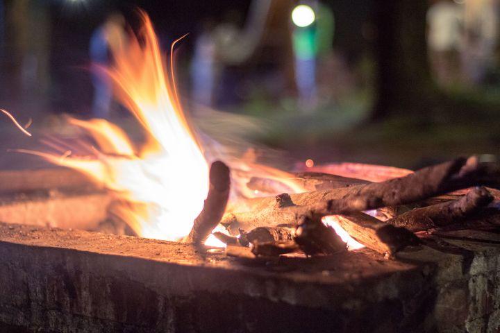 Lively Campfire Wood Dances - Trihand Art
