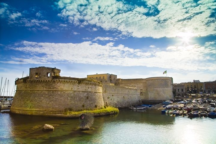 The castle and the Sun - Giuseppe R.F. Seccia - Gallery