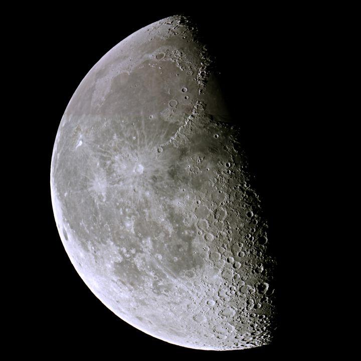 Waining Moon - 4 AM Photography