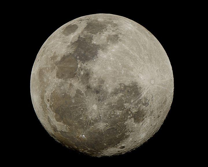 Moon Full 4x5 aspect ratio - 4 AM Photography