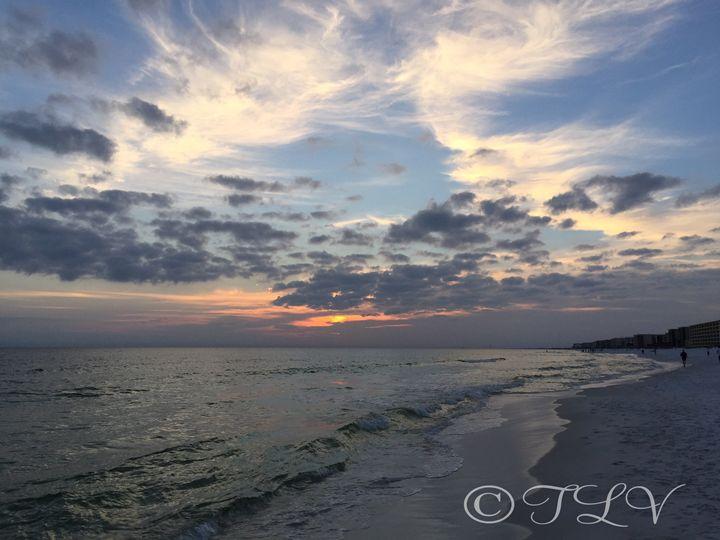 Fainting Sun On The Sea - TLV Treasures