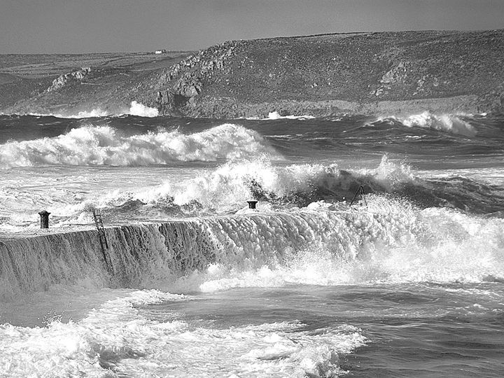 Seascape Sennen Storm Black And Whit - Linsey Williams