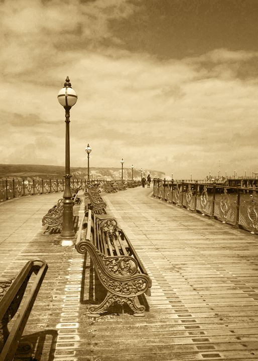 Swanage Pier In Sepia - Linsey Williams