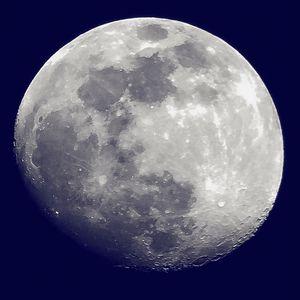 La Mágica de la Luna IV - Lui Reichenbecher