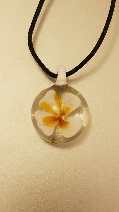 White Flower Glass Pendant - ottararts