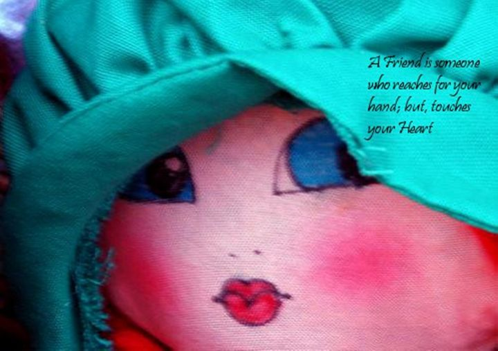 Friend Touch Heart Quote Doll - Sara Valor