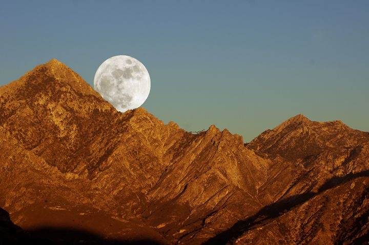 Moonrise over El Lucero - Rod Jones Photography